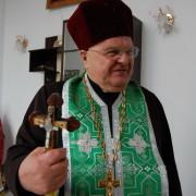 Незрячий священик з Івано-Франківська мандрує світом пішки та автостопом (фото)