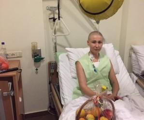 Франківська полісменка, що бореться із страшно недугою, оговтується після операції