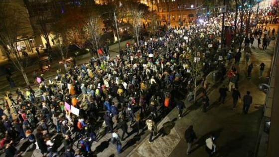 161110051404_seattle_protest_640x360_getty_nocredit