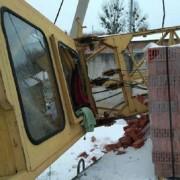 У Львові на будівництві впав кран разом з робітником (ФОТО)