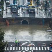 Дорога завалилась на 15 метрів у землю в Японії: вражаюче відео та фото