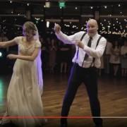 Неймовірний танець тата з донькою-нареченою: запальне відео