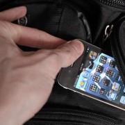 У Франківську чоловік викрав мобільний телефон у продавчині