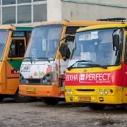 Водії маршруток Івано-Франківська по-секрету сказали меру, що їздять на літній гумі