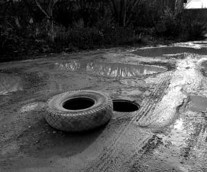 Сюди краще не їхати: 10 найгірших доріг Івано-Франківська