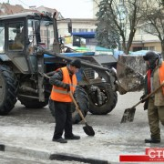 За прибиранням снігу в Івано-Франківську можна стежити в інтернеті