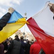 Поляки все заберуть: хто і чому лякає галичан реституцією