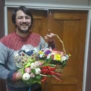Курйоз: зірковому галичанину Сергію Притулі прихильники подарували букет із шкарпеток (фото)