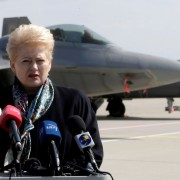 Президент Литви летить на переговори до Порошенка