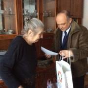 87-річна коломиянка кілька років поспіль частину своєї пенсії віддає на потреби армії (фото)