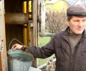 На Богородчанщині у криницях вода з присмаком нафти – люди нарікають на місцеву заправку. ВІДЕО