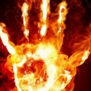 На Прикарпатті жінка вирішила звести рахунки з життям, спаливши себе живцем