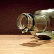 В Калуші інспектори виявили жінку, що торгувала фальсифікованим алкоголем (відео)