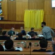 За крок від бійки: франківські депутати ледь не побилися через земельні питання