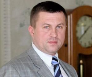 """ЗМІ: Затриманим на хабарі виявився помічник нардепа з """"Народного фронту"""""""