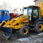 """Франківськ закупив для """"Муніципальної дорожньої компанії"""" шість одиниць нової спецтехніки. ФОТО"""