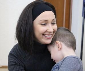 Молодій мамі з Івано-Франківська, яка працює в патрульній поліції, потрібна допомога (реквізити)