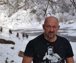 Голяком у крижаній воді: як відомий блогер та гонщик Мочанов у Яремче відпочивав (фото)