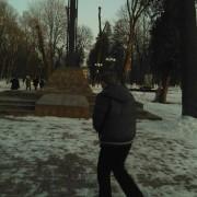 В Меморіальному сквері на Бандери «поселився» черговий збоченець-педофіл? (фото)