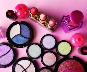 5 речей, які потрібно негайно викинути із косметички
