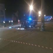 Прокляте місце. Смертельна ДТП, у якій загинуло двоє осіб цієї ночі, трапилась біля тієї ж електроопори, де декілька років тому тікаючи від ДАІ загинув водій «буса» (фото)