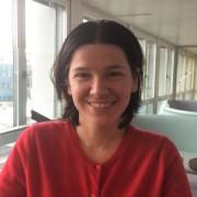 Країну будують вперті. Франківчанка Надія Варгола заснувала у Швейцарії «Фонд випускників України»