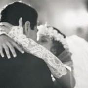 Чорне весілля: весільний кортеж впав у річку, понад 45 загиблих. Молодята загинули