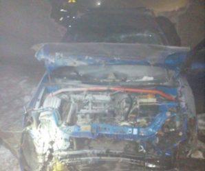 На Прикарпатті водій, втікаючи від поліції, вщент розбив свій автомобіль