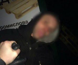 Франківські патрульні затримали зловмисника під час спроби проникнути у приміщення