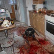 У Франківську застілля товаришів закінчилося жорстокою різаниною (фото 18+)