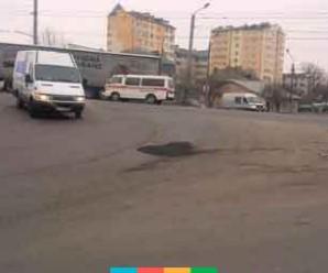 Ремонт за будь-яких погодніх умов: в Франківську розпочався ямковий ремонт доріг