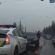 В Івано-Франківську неподалік аеропорту аварія, постраждала вагітна жінка