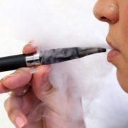 У Франківську підлітки 15-ти та 13-річного віку вкрали електронних цигарок на 3000 гривень