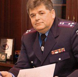 В Івано-Франківську патрульні склали протокол за їзду в нетверезому стані на екс-очільника обласного УМВС