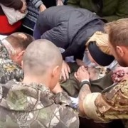 Батько загиблого добровольця сказав Порошенку все! СЕРЦЕ РОЗРИВАЄТЬСЯ ВІД СКАЗАНОГО!!!!