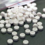 Суд взяв під варту організатора банди, що виготовляла і збувала наркотики в Івано-Франківську