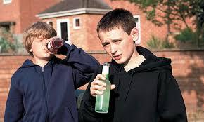 В Івано-Франківську комунальники проводитимуть рейди проти дитячого алкоголізму (відео)