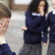 Куди звертатись, якщо дитину принижують та ображають у школі