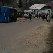 Стали відомі подробиці ДТП, в який через перекидання автобуса травмувалися прочани. ФОТО + СПИСОК