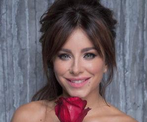 Ані Лорак вклонилася Україні на концерті в РФ