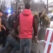 Відео нової сутички з блокувальниками від поліції