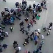 Куди дивляться батьки? Озброєні підлітки у Львові влаштували масову бійку (відео)