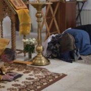 У Великий піст християни б'ють поклони, та не у всі дні це доречно