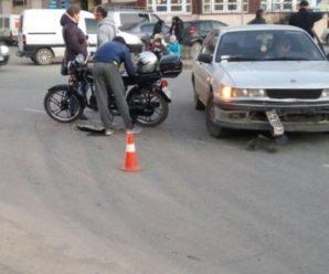 Вечір аварій у Франківську: легковик збив мотоцикліста (фото)