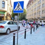 На вулиці Хоткевича облаштують піднятий пішохідний перехід