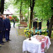 Франківська мерія ініціює створення молодіжного табору, який впорядковуватиме могили українців в Польщі
