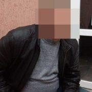 «Бо хотів відпочити»: львівські поліцейські затримали чоловіка, який привів у готель підлітк