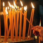 Чому не можна в церкві підпалювати свою свічку від іншої, що стоїть поруч
