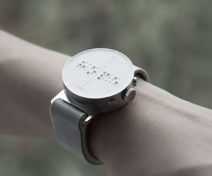"""Найкорисніший винахід людства у 21 столітті: """"Розумний"""" годинник для людей з вадами зору (ВІДЕО)"""