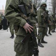 Беззаконня продовжується: жителів півострова масово забирають в російську армію